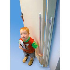 protector de puertas salvadedos transparente